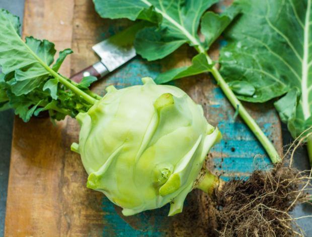 Do czego wykorzystać liście kalarepy?