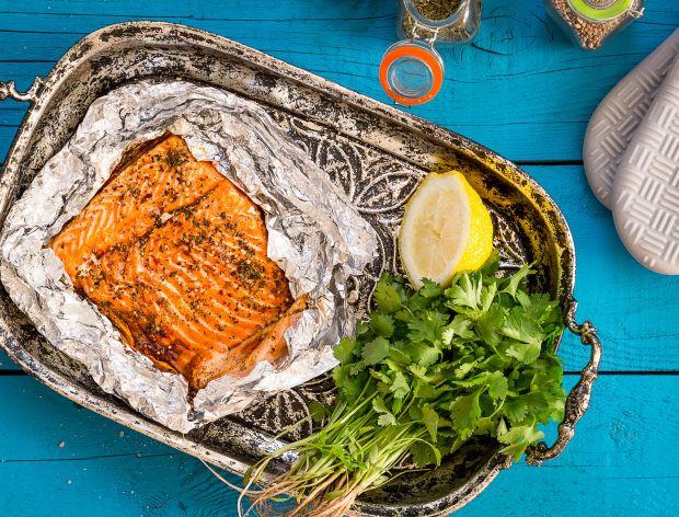 Jak doprawić łososia do pieczenia?
