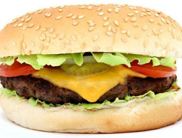 Mężczyzna jadł przez 3 miesiące tylko w fast foodzie i... schudł!