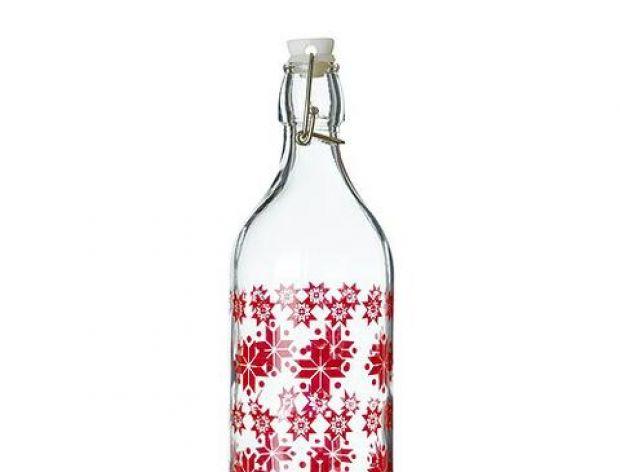 Mycie zatłuszczonych butelek i słoików.