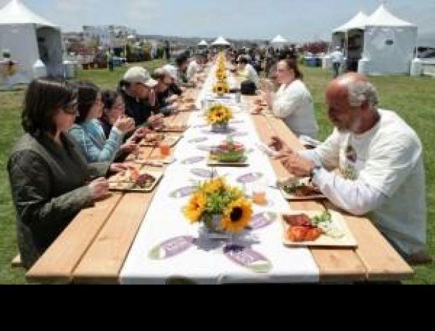 Najdłuższy piknikowy stół