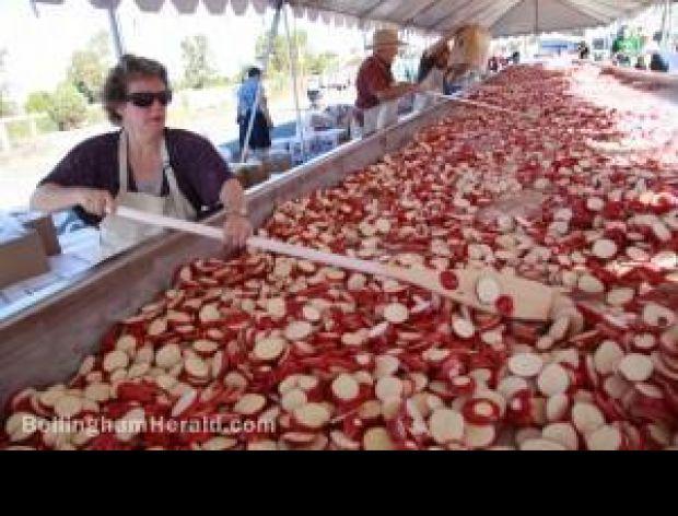 Największa zapiekanka ziemniaczana na świecie.