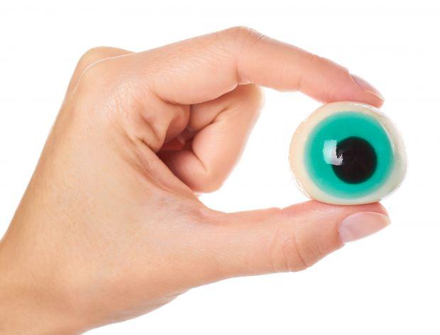 Oko z żelatyny na halloween