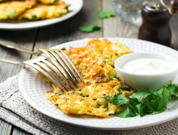 Okonomiyaki - prosty przepis na placki z młodej kapusty