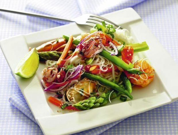 Owoce morza z makaronem ryżowym