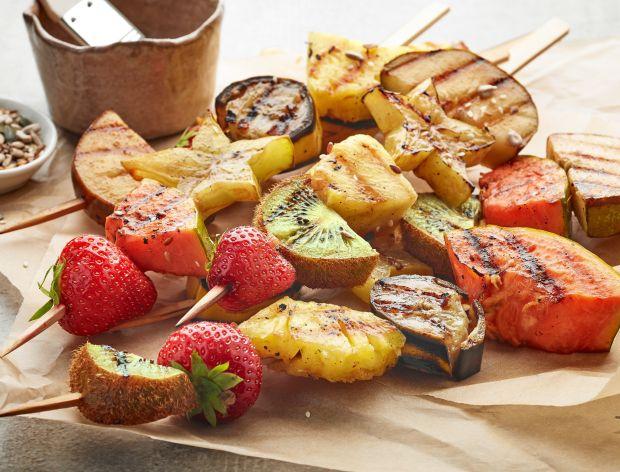Owocowe szaszłyki z grilla