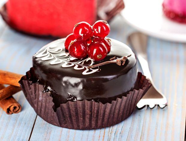 Ozdabianie naszych słodkości, lukier czy masa?