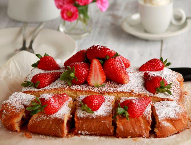 Jak zrobić ciasto z truskawkami?