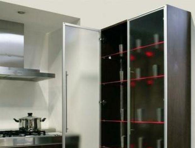 Podświetlamy półki w kuchni