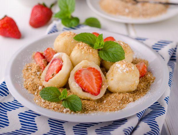 przepis na knedle z truskawkami