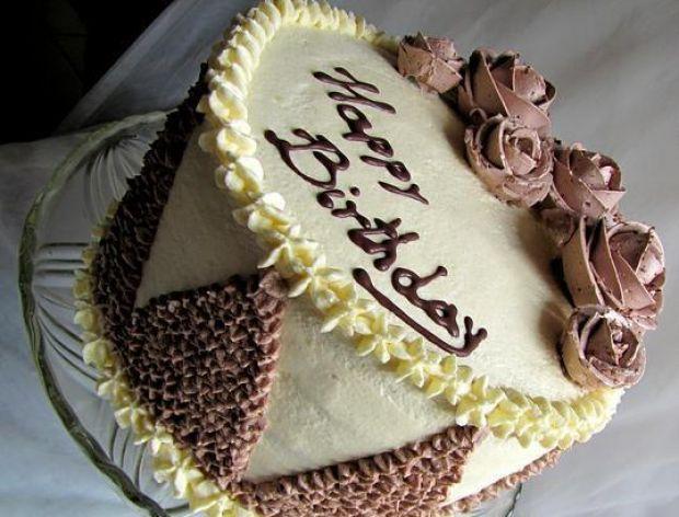 Przepisy na letnie torty urodzinowe