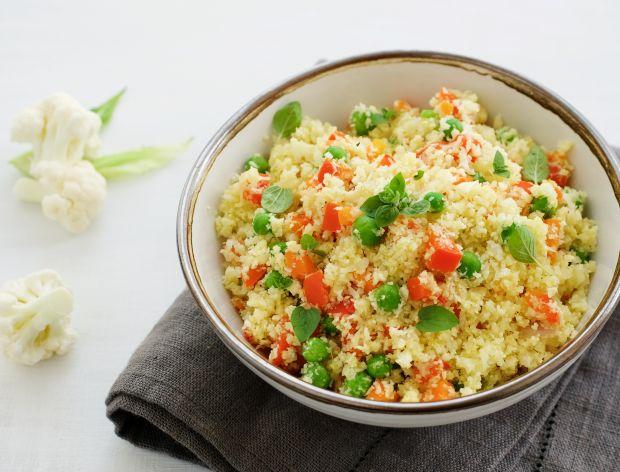 Ryż z kalafiora – przepis na szybki wegetariański obiad