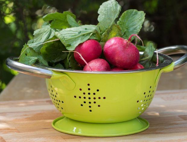 Po jakie warzywa i owoce sięgać w maju?