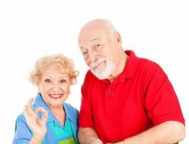 Seniorzy coraz częściej kupują w Internecie