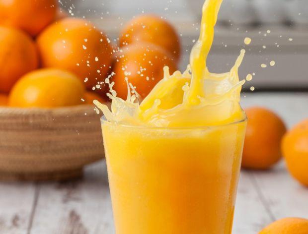 Sok pomarańczowy to cenne źródło hesperydyny. Warto go pić!