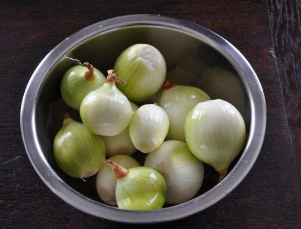 Sposób na przykry zapach cebuli