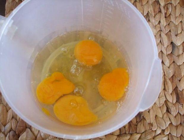 Sposób na szybkie roztrzepanie jajka