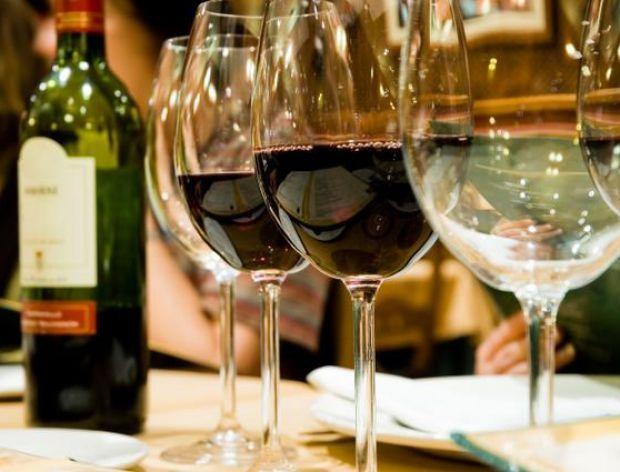Sposób na szybkie schłodzenie wina