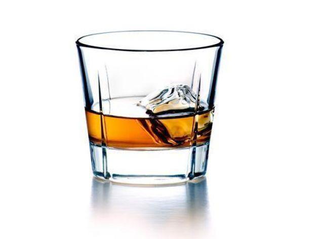Szokujące ceny za butelkę whisky