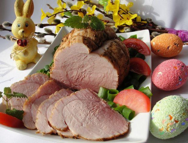Pyszne mięsa na stół wielkanocny