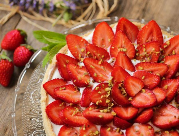 Tarta z truskawkami - przepis na pyszny deser