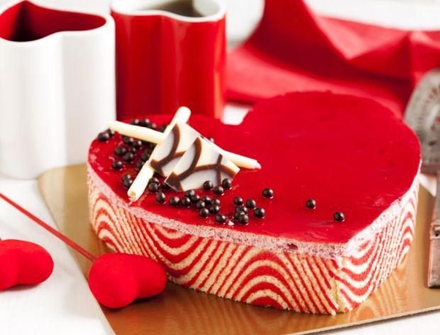 Walentynkowy tort w kształce serca