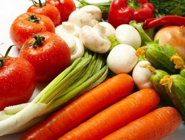 Zatrute warzywa z Hiszpanii paraliżują Niemcy.