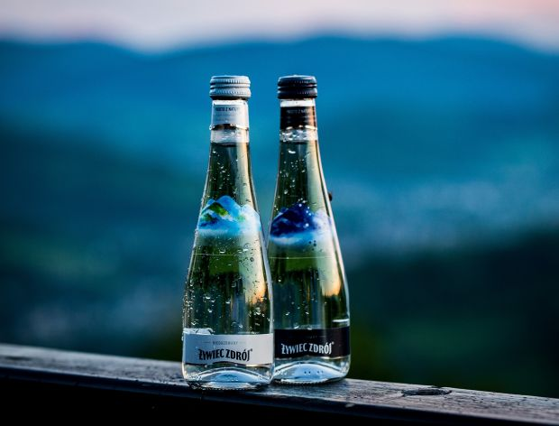 Woda Żywiec Zdrój w szklanej butelce
