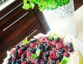 Beza Pavlova z owocami