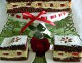 Ciasto kakaowe z kremem, biszkoptami i galaretką