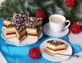 Ciasto miodowe z truskawkowym musem