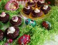 Czekoladowe muffinki z  czekoladowymi jajeczkami
