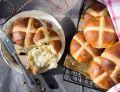 Hot cross buns - bułeczki z krzyżem