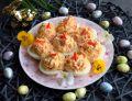 Jajka faszerowane wędzonym łososiem i papryką