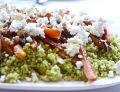 Kuskus z jaglanki z pesto i pieczonymi marchewkami