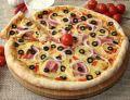 Orkiszowa pizza z boczkiem