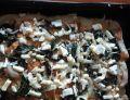Pizza z fetą i szpinakiem