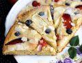 Placek ucierany z masłem orzechowymi i owocami