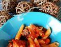 Pulpeciki z makaronem w sosie pomidorowym