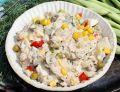 Sałatka z fasolką szparagową, jajkami i tuńczykiem