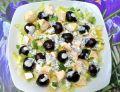 Sałatka z wiśniami i serem