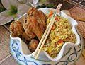 Skrzydełka w panierce i ryż w curry z warzywami