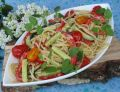 Spaghetti z letnimi warzywami w sosie śmietanowym