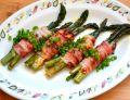 Szparagi z serem i pancettą