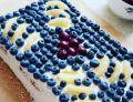 Tort śmietanowy z powidłami, borówkami i ananasem