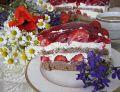 Truskawkowy tort z białą czekoladą