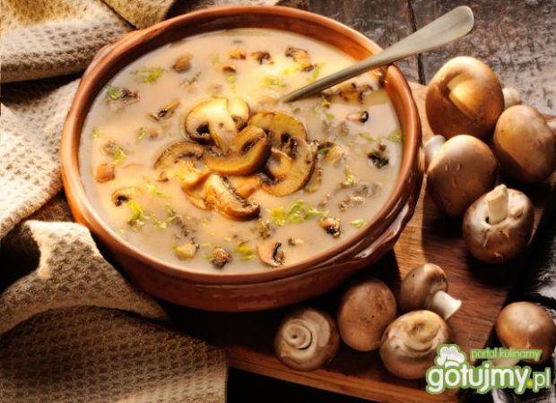 7 sprawdzonych przepisów na zupę pieczarkową