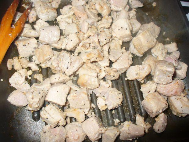 A'la gulasz z polędwicy z tuńczyka grillowany