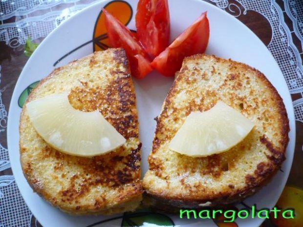 Ananasowe kanapki na ciepło