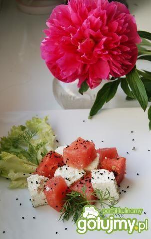 Arbuz pikantny z białym serem :